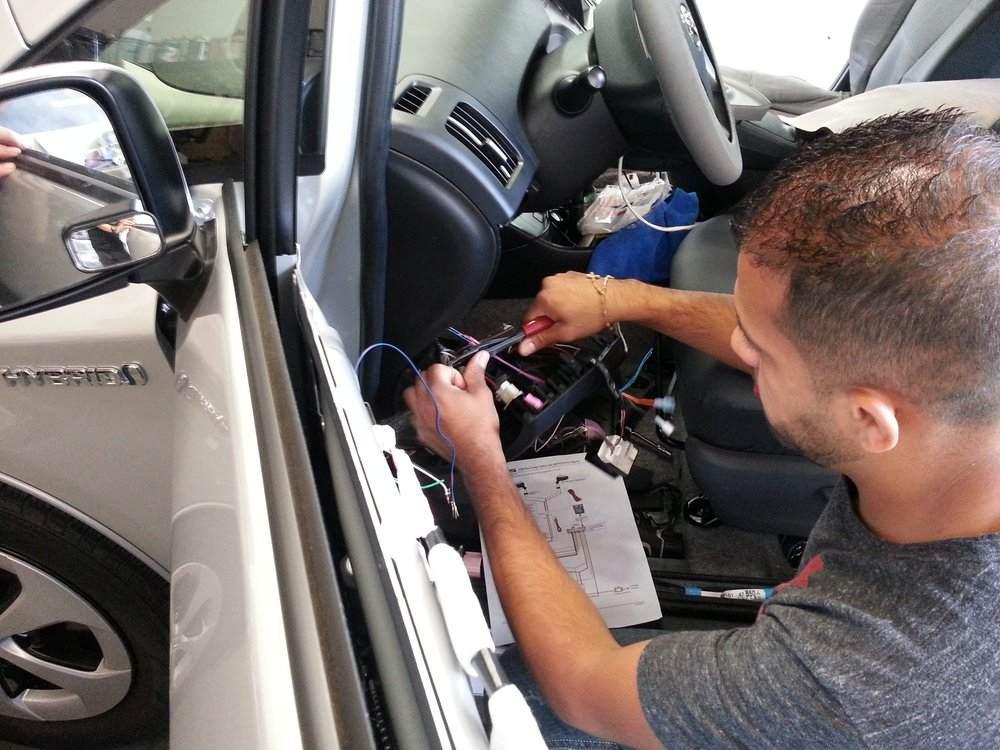 самостоятельная установка gps/глонасс антенны в автомобиль (фото)